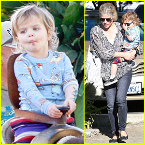 Selma Blair: Arthur Picks Massive Tattoo!