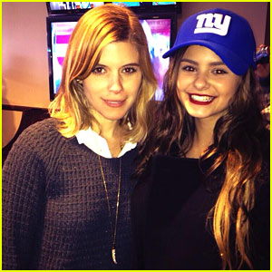 The Voice's Jacquie Lee Sings National Anthem, Meets Kate Mara at Giants Game!