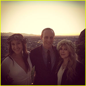 Vanessa Carlton Gets Married, Stevie Nicks is the Officiant!