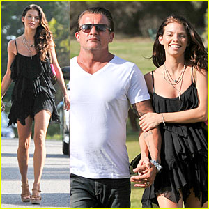 AnnaLynne McCord & Dominic Purcell: New Year in Australia!