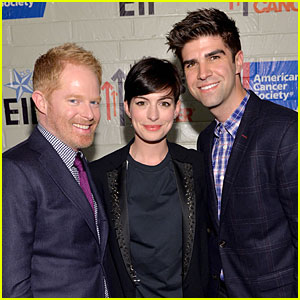 Anne Hathaway & Jesse Tyler Ferguson Smile for Stands Up to Cancer!