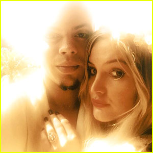 Ashlee Simpson: Engaged to Evan Ross!