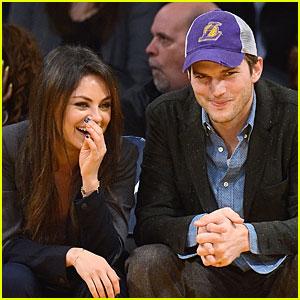 Ashton Kutcher & Mila Kunis Kiss on Lakers' Kiss Cam!