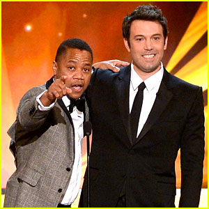 Cuba Gooding, Jr. Rushes the Stage at SAG Awards 2014!