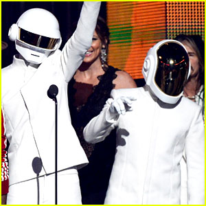 Daft Punk Wins Album of the Year at Grammys 2014!