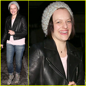 Elisabeth Moss Didn't Want to Be 'That Person' at the Golden Globes
