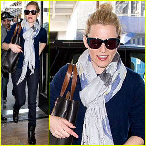 Elizabeth Banks Steps Out After 'Pitch Perfect 2' Directing News!