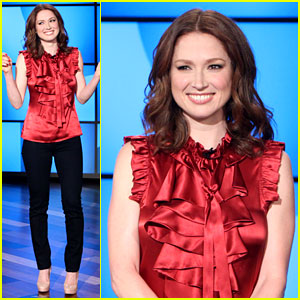 Ellie Kemper Fills in for Ellen DeGeneres as Talk Show Host!