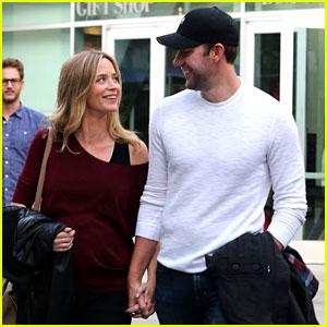 Emily Blunt & John Krasinski Catch Up on Their Movies!