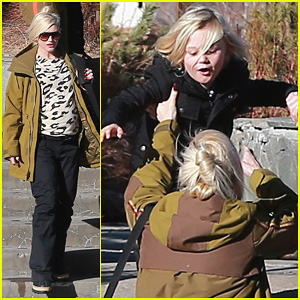 Gwen Stefani: New Year's Day with the Family in Mammoth!