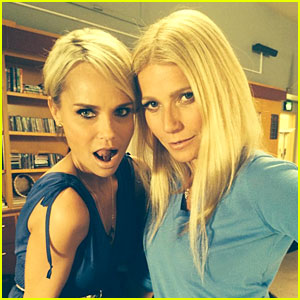 Gwyneth Paltrow & Kristin Chenoweth Are Back on 'Glee' Set!