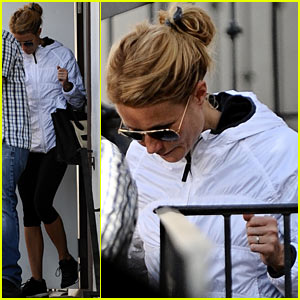 Gwyneth Paltrow Slips Out of Her Gym on a Foggy Day