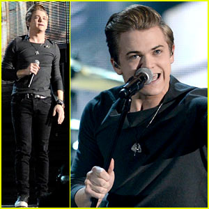 Hunter Hayes Debuts 'Invisible' at Grammys 2014 (VIDEO)