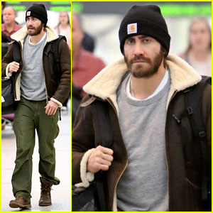 Jake Gyllenhaal: Low-Key Arrival in Toronto