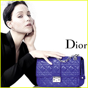 Jennifer Lawrence Extends Dior Deal for 3 Years, $15 Million!