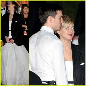 Jennifer Lawrence Wears Nicholas Hoult's Jacket After the Golden Globes 2014!