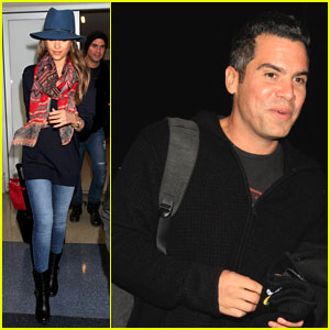 Jessica Alba & Cash Warren Fly Out of Los Angeles Together