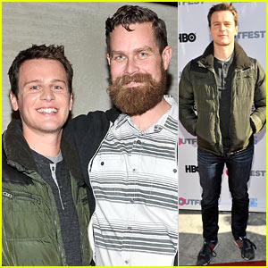 Jonathan Groff: 'Looking' is 'Very Different' From 'Girls'