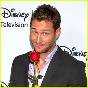 The Bachelor's Juan Pablo Galavis Apologizes for His Anti-Gay Remarks