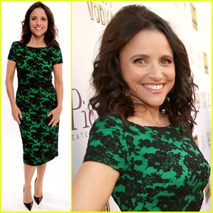 Julia Louis-Dreyfus - Critics' Choice Awards 2014 Red Carpet