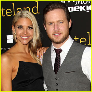 Justified's A.J. Buckley Welcomes First Child with Abigail Ochse