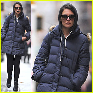 Katie Holmes: Bundled Up in NYC After Miami Vacation!