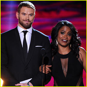 Kellan Lutz: Critics' Choice Awards 2014 with Nia Long!