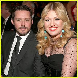 Kelly Clarkson Having a Baby Girl with Brandon Blackstock!