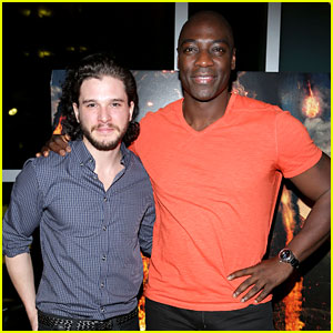 Kit Harington Meets His Fans at 'Pompeii' Event in Miami