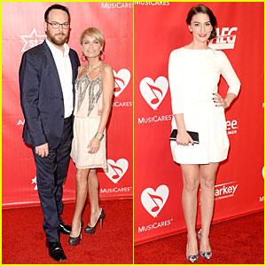 Kristin Chenoweth & Sara Bareilles: MusiCares Gala 2014
