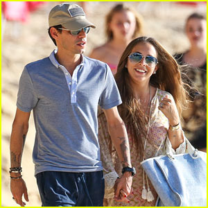 Marc Anthony & Chloe Green Spend New Year's Day in Barbados