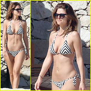 Maria Menounos Sports Black & White Bikini in Cabo San Lucas!