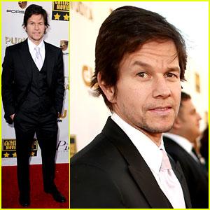 Mark Wahlberg - Critics' Choice Awards 2014 Red Carpet
