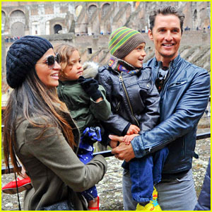 Matthew McConaughey & Camila Alves: Rome Sightseeing with Levi & Vida!
