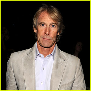 Michael Bay Walks Off Stage After Teleprompter Breaks (Video)