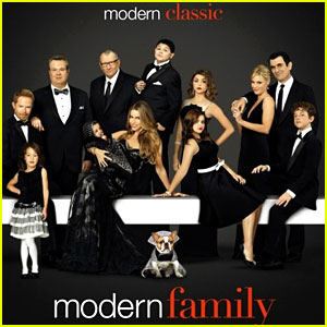 'Modern Family' WINS Outstanding Comedy Series Ensemble at SAG Awards 2014!
