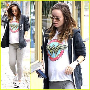 Olivia Wilde: Baby Bumpin' Friday Workout!