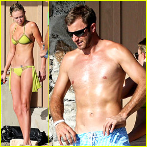 Paulina Gretzky & Golfer Dustin Johnson: Beach Bods in Hawaii!