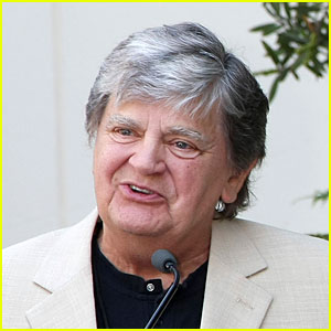 Phil Everly Dead - Everly Brothers Singer Dies at 74
