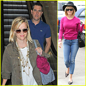 Reese Witherspoon: LAX Arrival After Justin Bartha's Wedding!