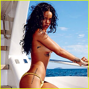 Rihanna Goes Topless Sexy on a Yacht!