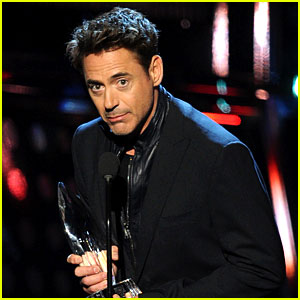 Robert Downey Jr. Wins Favorite Action Movie Star at PCAs!