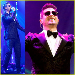 Robin Thicke Performs on Dick Clark's New Year's Rockin' Eve!