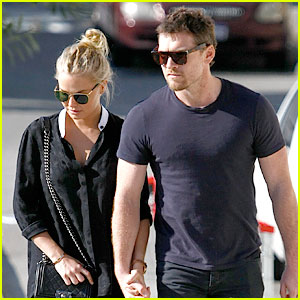 Sam Worthington & Lara Bingle: Sunday Lunch Lovers!