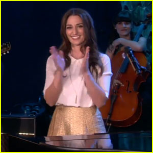Sara Bareilles Performs 'Brave' Live on 'The Ellen Show'!