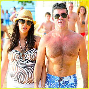 Simon Cowell & Lauren Silverman Hold Hands on New Year's Eve!
