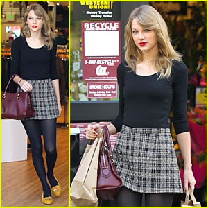 Taylor Swift Starts New Year with Shopping!