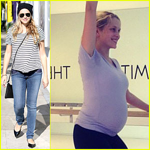 Teresa Palmer: Still Working Out During Pregnancy!