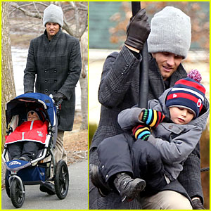 Tom Brady: Park Date with Benjamin Before Facing Broncos!