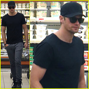 Alexander Skarsgard Shops After Hot Shirtless Pic Hits the Web!